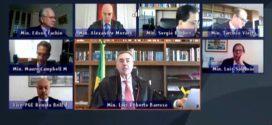 TSE julga caso idêntico ao de Neto e libera candidatura de prefeito