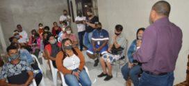 Ailton Marques conversa com moradores do Parque Mariana em Porto Real
