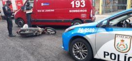 Motociclista fica ferido ao bater em carro na RJ-145