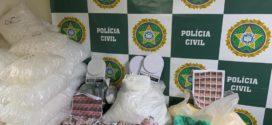 Polícia apreende sete quilos de cocaína pertencentes a um traficante que comanda de dentro da cadeia o tráfico no bairro Santa Cruz