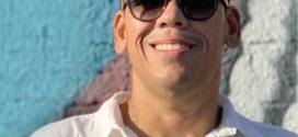 Cantor Zampaglione, de Angra dos Reis, chega a marca de 100 mil streamings no Spotify