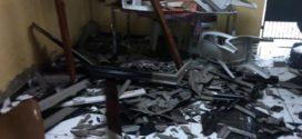 Chuva causa queda de árvores e destelha casas em Resende