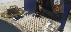 Policiais do GAT detêm trio e apreendem drogas em três bairros de Barra Mansa