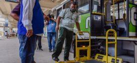 Marcelo Cabeleireiro fiscaliza acessibilidade em ônibus intermunicipais no Rio