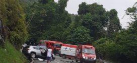 Batida entre carros deixa cinco feridos na BR-101 em Angra dos Reis