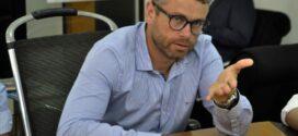 Rodrigo Drable baixa decreto e permite retorno de ensino presencial
