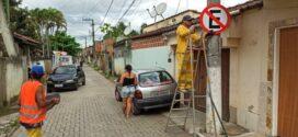 Bairros de Itatiaia recebem serviços de sinalização viária