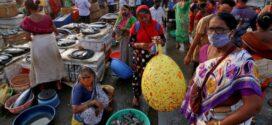 Índia: com recordes de mortes por covid-19, corpos flutuam no Ganges