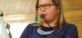 Titi Brasil pede distribuição gratuita de absorventes a mulheres de Angra dos Reis