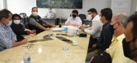 Neto apresenta projeto de 70 unidades habitacionais para o governo do estado