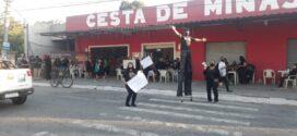 Manifestantes pedem eleição para prefeito em Itatiaia