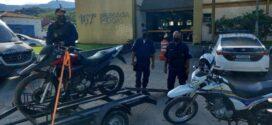 Moto com chassi adulterado é abandonada em Paraty