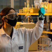 Empresa lança um grupo detrabalho dedicado ao grafeno nas instalações do Centro de Pesquisas