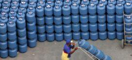 Alerj aprova valor extra ao auxílio Supera RJ para compra de gás de cozinha