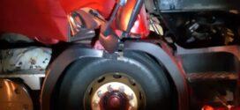 Caminhoneiro morre após colisão traseira entre duas carretas na Dutra em Itatiaia