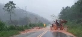 Chuva intensa deixa desabrigados em Resende