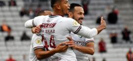 Fluminense vence o Athletico-PR fora de casa e se aproxima do G-6