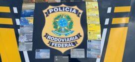 PRF prende dois homens com cartões de crédito roubados